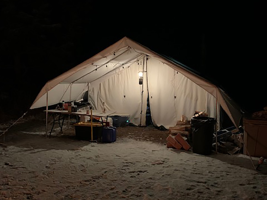 Emergency survival tent